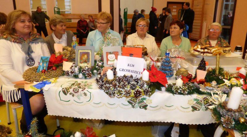 """III Gminny Kiermasz Bożonarodzeniowy """"Bliżej Betlejem"""" w Bodzechowie i II Kiermasz Bożonarodzeniowy w Kunowie"""