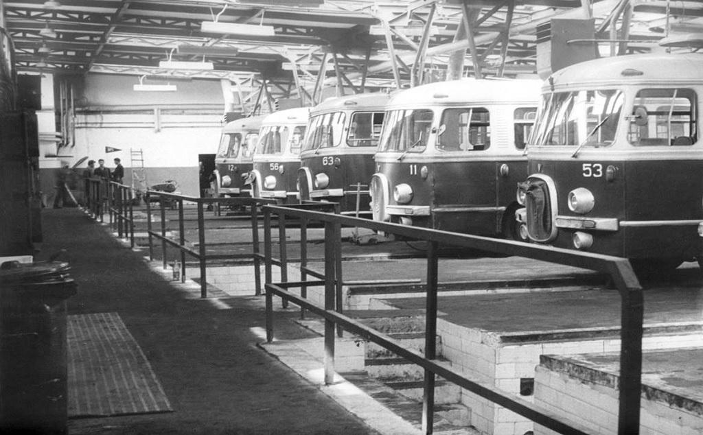Budowę zajezdni zakończono w kwietniu 1966 roku