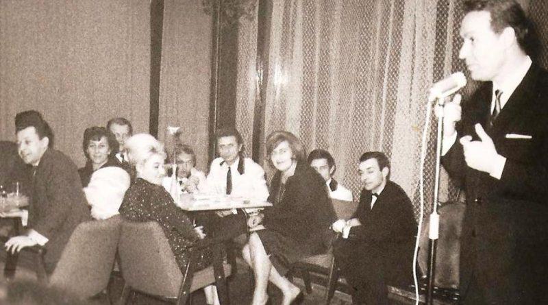 Luty 1965 Spiewa Mieczysław Wojnicki Podwieczorek przy mikrofonie