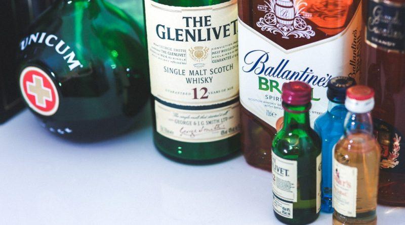 bottles-792057_1280
