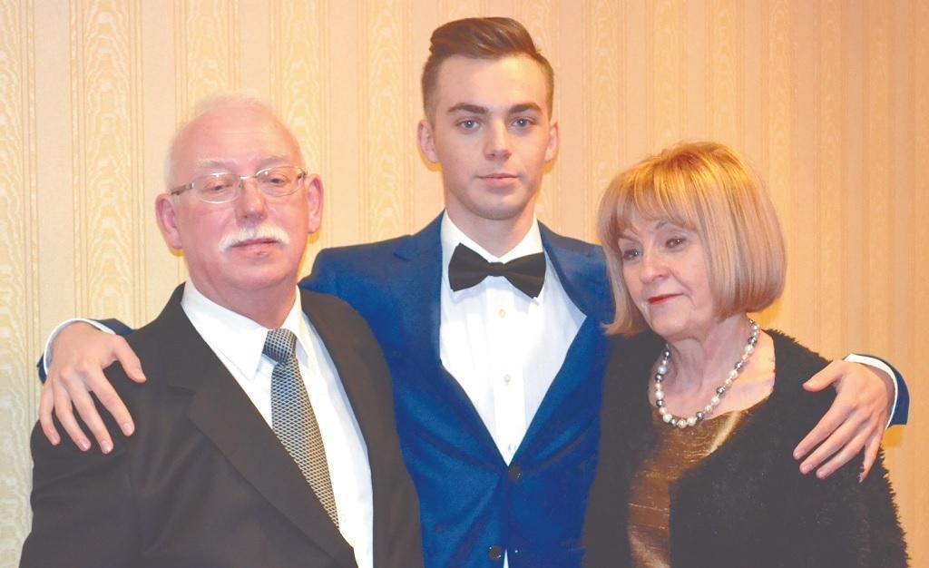 Wojciech Kaczmarski z żoną Krystyną i wnukiem