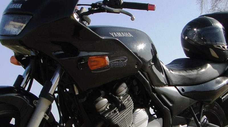 a-motorcycle-381324