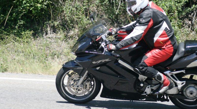 moto-1154627_1280