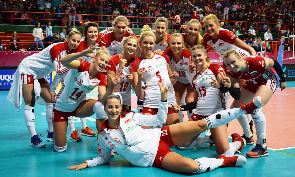 POLSKA Polska w rozgrywkach World Grand Prix uczestniczy nieprzerwanie od 2004 roku, zajmując w tych rozgrywkach szóste miejsca w 2007 i 2010 roku. W 2015 i 2016 roku Polki starały się powrócić do I dywizji rozgrywek, ale w finałach przegrały najpierw z Holenderkami 0:3, a później z Dominikaną 2:3. Polki były niegdyś jednym z najlepszych zespołów na świecie. Zdobywały brązowe medale olimpijskie w Tokio w 1964 r. i w Meksyku w 1968 r. W 1952 roku zdobyły mistrzostwo świata, a srebro i brąz odpowiednio w 1956 i 1962 roku. W 2003 i 2005 sięgnęły po mistrzostwo Europy, a w 2009 roku po brązowy medal. Polska na olimpijski szlak powróciła po 40 latach, występując na Igrzyskach Olimpijskich w Pekinie w 2008 roku i zajmując w nich 9 miejsce.