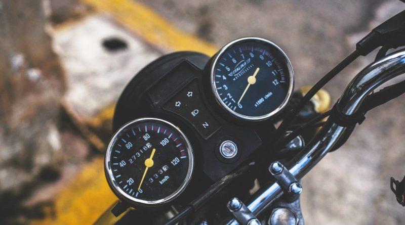 vehicle-690529_1280