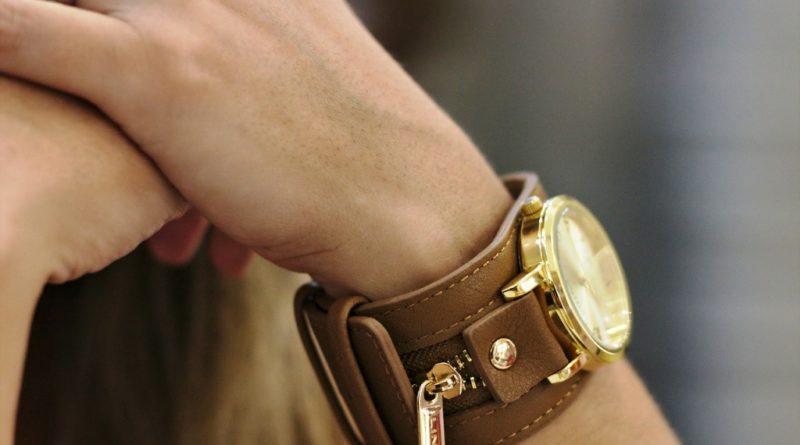 watch-397227_1280