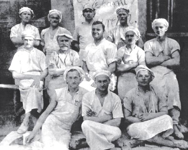 Pierwsi pracownicy piekarni