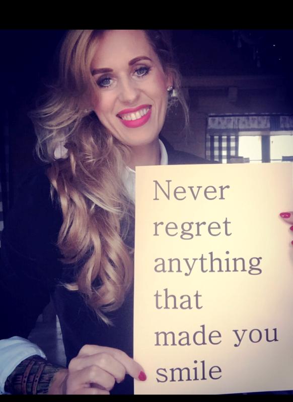 nigdy nie żałuj niczego, co_sprawiło, że się uśmiechnęłaś.