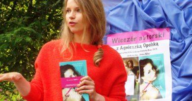 """Najnowsza powieść ostrowczanki. """"Joanna"""" Agnieszki Opolskiej"""