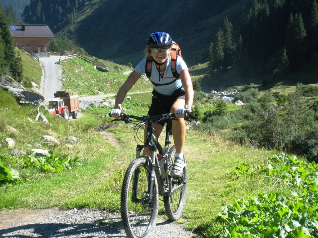 cycling-604652_960_720