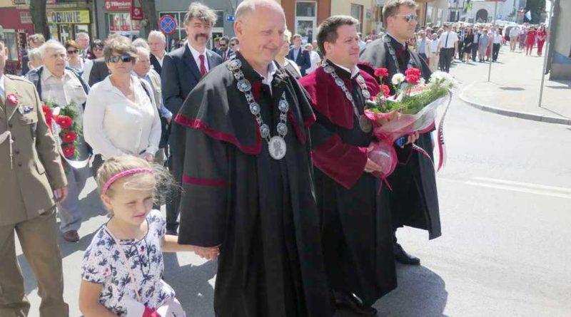 Ostrowiec Świętokrzyski. Obchody 227 rocznicy uchwalenia Konstytucji 3 Maja