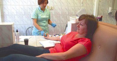 Coraz chętniej oddajemy krew, a pracodawcy są nieugięci
