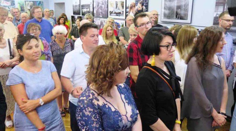 Wernisaż XIV Dorocznej Wystawy Fotoklubu Galeria MCK