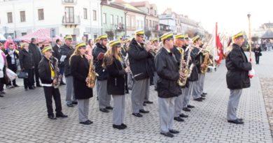 Opatowianie w 100 rocznicę Odrodzenia Polski (zdjęcia)