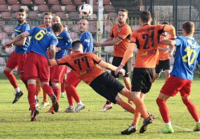 III liga piłkarska. Grupa IV. *KP KSZO Ostrowiec Świętokrzyski – Podhale Nowy Targ 2:3