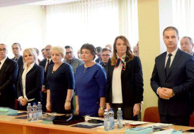 Sesja Rady Powiatu Ostrowieckiego inaugurująca kadencję 2018-2023