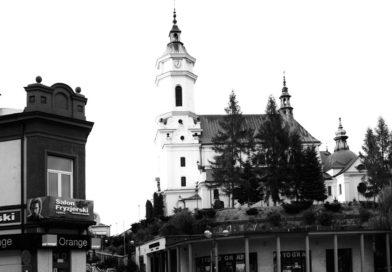 Msza za zmarłego prezydenta Gdańska Pawła Adamowicza w poniedziałek w ostrowieckiej kolegiacie