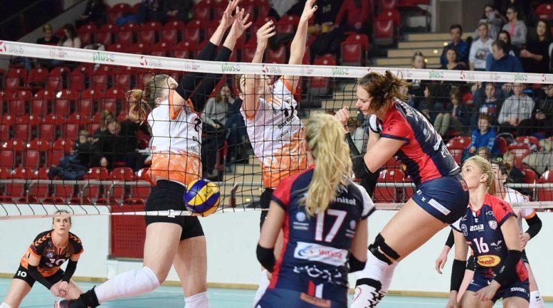 Liga Siatkówki Kobiet. *KSZO Ostrowiec Świętokrzyski – Budowlani Łódź 0:3