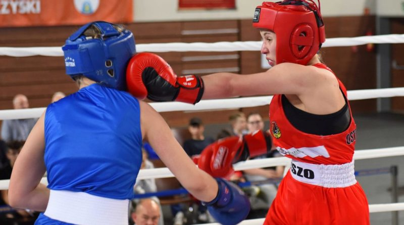 Ogólnopolska Olimpiada Młodzieży w Boksie. Półfinałowe walki kadetek