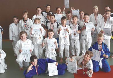 Medalowe żniwo judoków Ostrowii