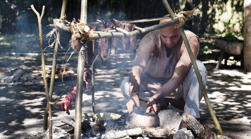 VIII KRZEMIONKOWSKIE SPOTKANIA Z EPOKĄ KAMIENIA (zdjęcia, wideo)