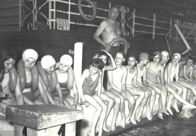 Waterpolista, artysta filmowy, trener pływania. Pan Jan, który cały Ostrowiec uczył pływać…