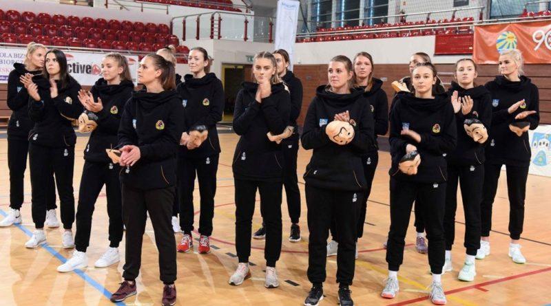 Prezentacja zawodniczek i sztabu szkoleniowego siatkarskiego KSZO