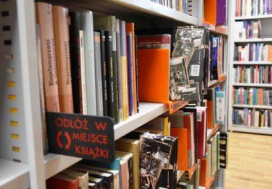 Spacerkiem po Miejskiej Bibliotece Publicznej w Ostrowieckim Browarze Kultury
