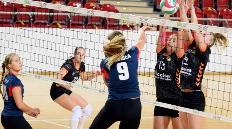 II liga siatkówki kobiet. Grupa IV. *KSZO SMS Ostrowiec Świętokrzyski – Wisła Kraków 1:3