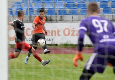Piłkarze KSZO wygrali w Ożarowie i awansowali do kolejnej rundy Okręgowego Pucharu Polski