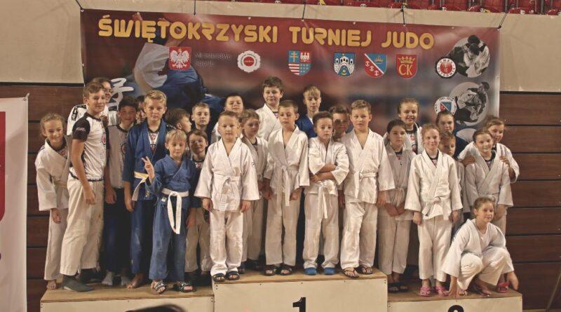 Grad medali judoków Ostrowii na tatami w Ostrowcu i Lublinie