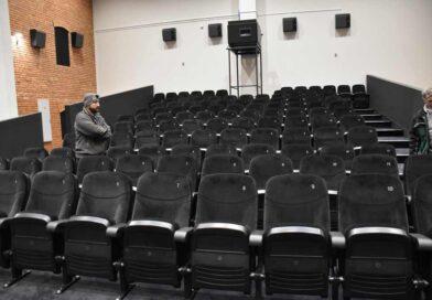 Sala jest, filmów nie ma
