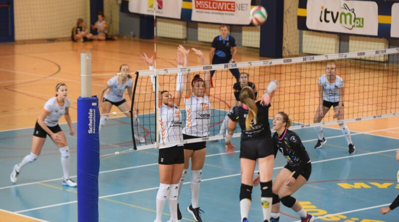 II liga siatkówki kobiet. Grupa IV. *Silesia Volley Mysłowice – KSZO SMS Ostrowiec Świętokrzyski 3:0