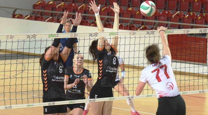 II liga siatkówki kobiet. Grupa IV. *KSZO SMS Ostrowiec Świętokrzyski – SMS PZPS II Szczyrk 1:3