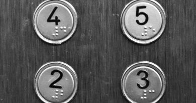 Dlaczego mamy płacić za windę, z której nie korzystamy?