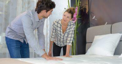 Materac nawierzchniowy jako rozwiązanie problemu niewygodnego łóżka