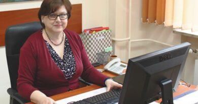 Nadinspektor Barbara Kaszycka przy redakcyjnym telefonie. Prawo pracy w czasie epidemii