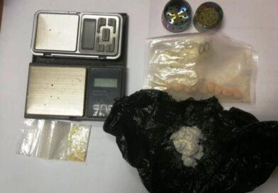 Opatowscy kryminalni zatrzymali dwóch posiadaczy narkotyków
