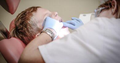 Kolejny gabinet stomatologiczny dyżurujący po godzinach pracy, w soboty, niedziele i swięta, ale nie w Ostrowcu…