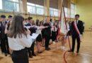 Uroczyste ślubowanie klas pierwszych w Liceum Ogólnokształcącym Nr II (zdjęcia)