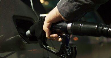Rekordowe ceny paliw! Kierowcom nie w smak to, co się dzieje na stacjach benzynowych